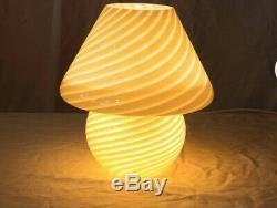 Vintage MID CENTURY White SWIRL VETRI MURANO ITALY MURANO MUSHROOM LAMP