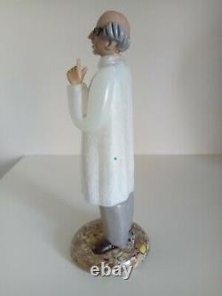 Vintage Murano Hand Blown Art Glass Doctor Scientiste Figurine 8 1/2